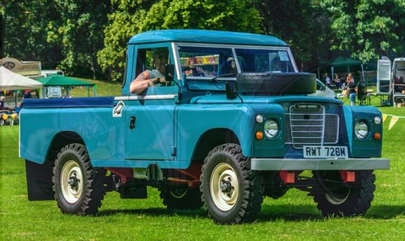 FDLCVS-068-GC-2019-1974 LAND ROVER 109 - 4 CYL
